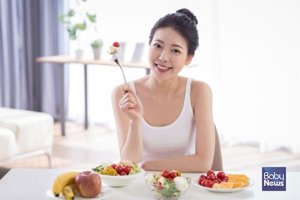임산부가 야채를 잘 챙겨먹어서 좋은 이유는 영양의 균형을 잘 이뤄서 엄마도 아기도 건강하기 위함인데 너무 스트레스가 되면 곤란하다.ⓒ베이비뉴스