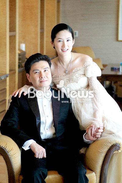심은하 결혼 당시 공개된 웨딩사진. ⓒ심은하