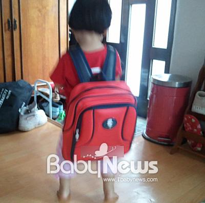 커다란 가방만큼 아직은 아이에게 어린이집은 무리였던 것 같다. ⓒ정옥예
