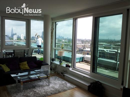 가수 박선주가 9일 자신의 트위터로 영국 런던의 신혼집을 공개했다. ⓒ박선주 트위터