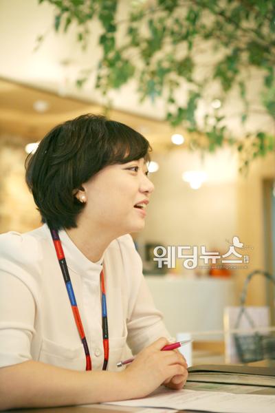 김은영 플래너는 결혼 전문가로서 예비부부들을 위한 웨딩트렌드와 소비트렌드 등의 전문가적 조언도 잊지 않았다. ⓒOK웨딩