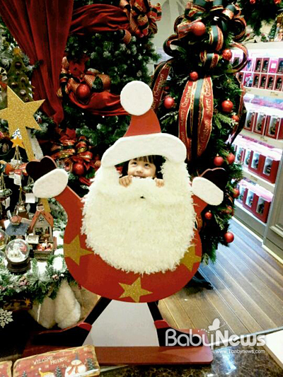 메리 크리스마스 외치는 하은이. ⓒ탁예은
