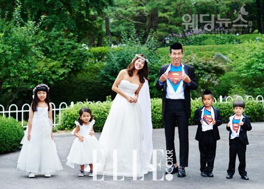 결혼 10주년을 맞아 리마인드웨딩화보를 공개한 션 정혜영 가족의 웨딩사진이 온라인에서 뜨겁게 주목받고 있다. ⓒ캐리브라이덜