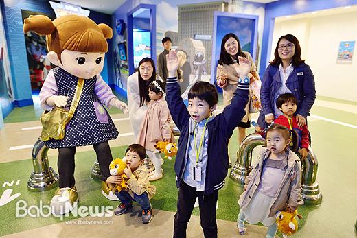 꼬마버스 타요, 변신자동차 또봇, 뽀로로 등 어린이들로부터 많은 사랑을 받고 있는 국산 캐릭터들이 에버랜드에 총출동한다. ⓒ에버랜드