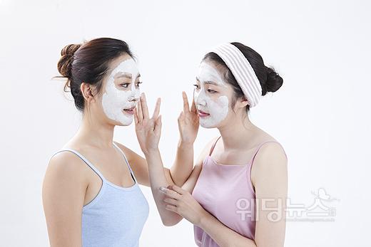 온도와 습도에 민감한 피부는 특히 여름철에 노화가 쉽게 된다. 온도와 습도를 적정하게 유지해주는 관리가 필요하다. ⓒ베이비뉴스