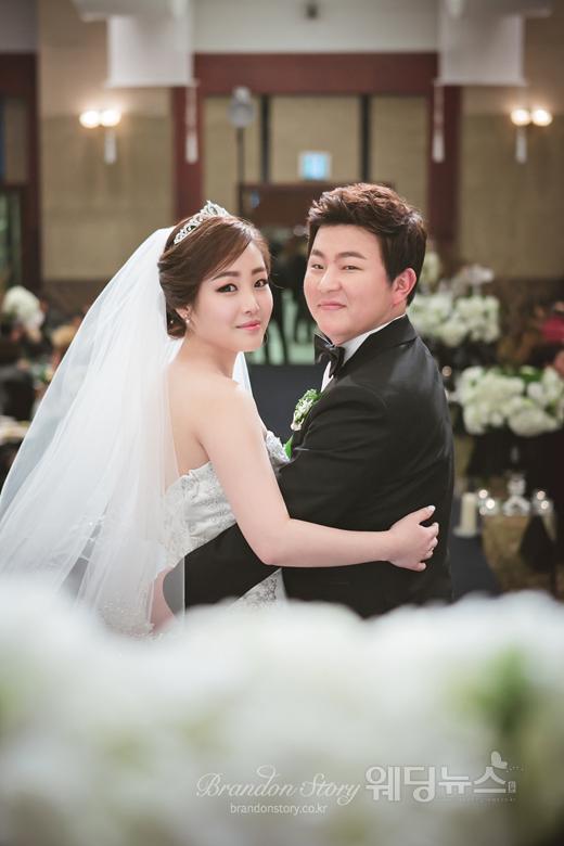 가수 허공(31)의 결혼식 본식 사진이 공개됐다. ⓒ브랜든스토리