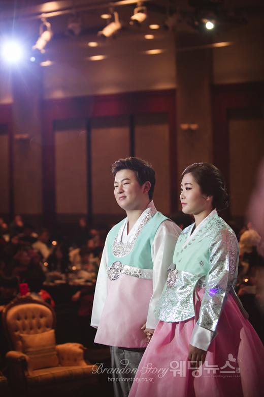 가수 허공은 지난달 28일 오후 6시 서울 강남구 청담동 프리마호텔에서 한 살 연하의 신부와 웨딩마치를 울렸다. ⓒ브랜든스토리