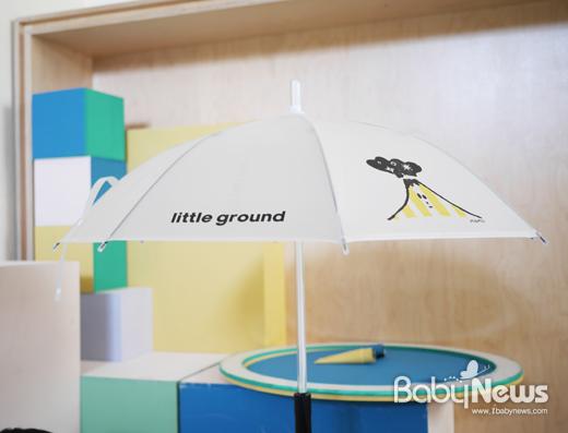 키즈 셀렉샵 리틀그라운드에서 어린이날을 맞아 '라이트 우산'을 증정한다. ⓒ리틀그라운드