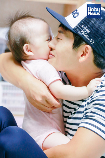 '다둥이 아빠'로 살아가는 박지헌의 모습. 최대성 기자 ⓒ베이비뉴스